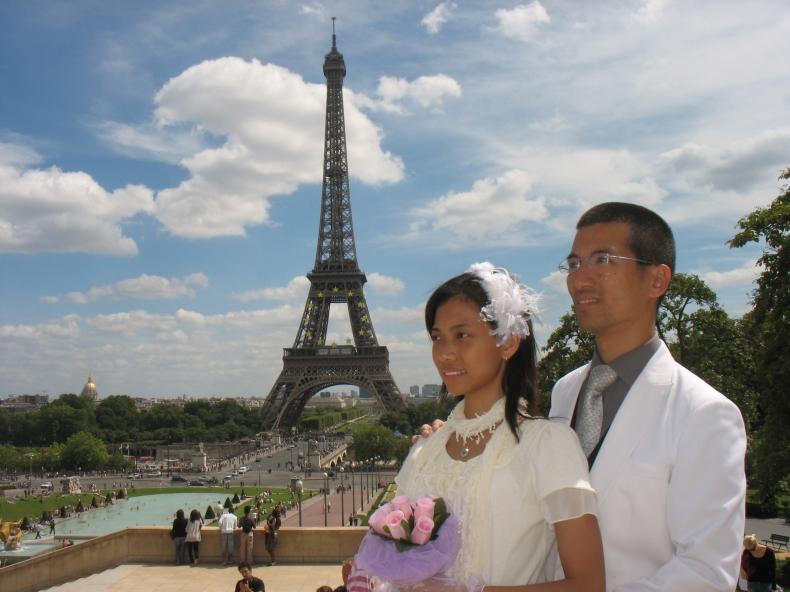 唯美建筑巴黎埃菲尔铁塔图片手机壁纸 风景 壁纸下