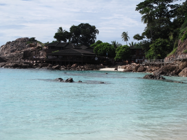 终於上周可与屋企人一起往吉隆坡及热浪岛潜水冲浪,渡过了快乐的