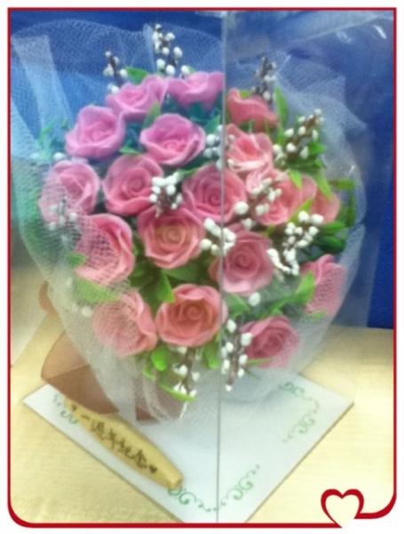 * 纸黏土玫瑰花 , 我俩一周年纪念 *