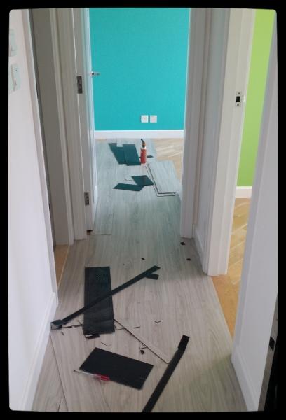我地選了floorwork 的淺灰木紋~ 想屋企型格一些