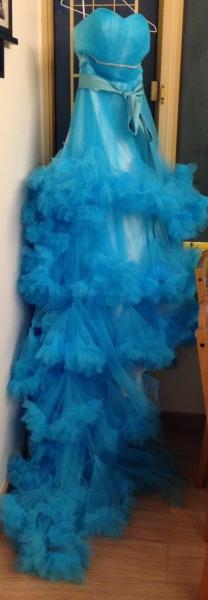 浅蓝色云彩礼服