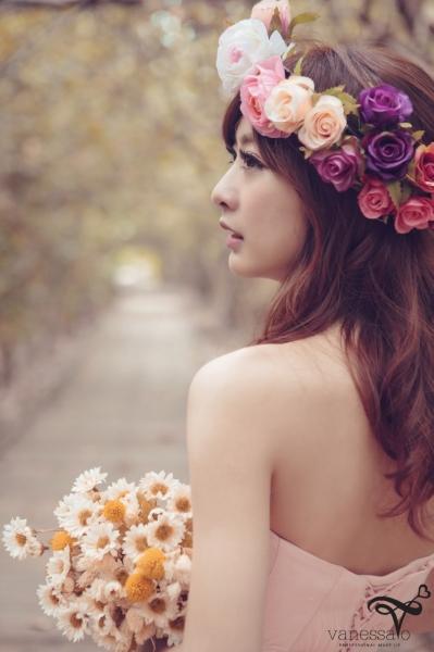 【新娘造型 x 妆发】森林系清新婚纱照图片
