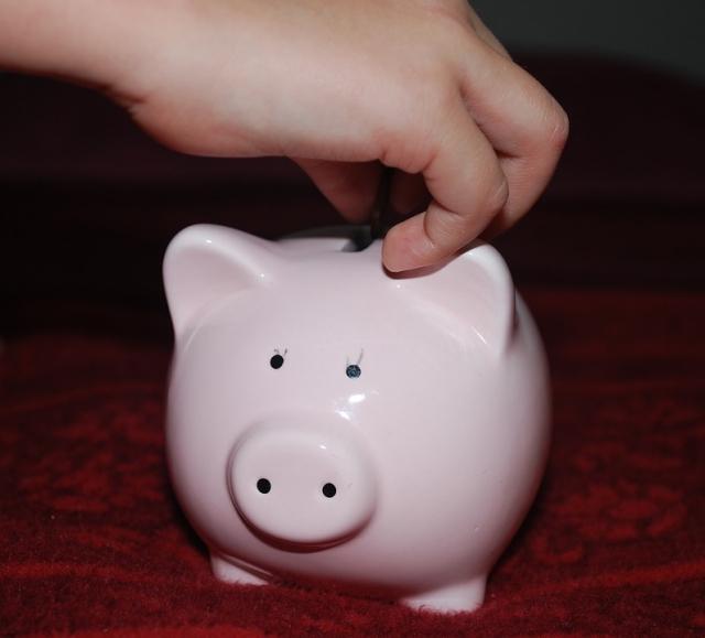 「小朋友都要學洗錢」--如何協助孩子培養正確金錢觀念?