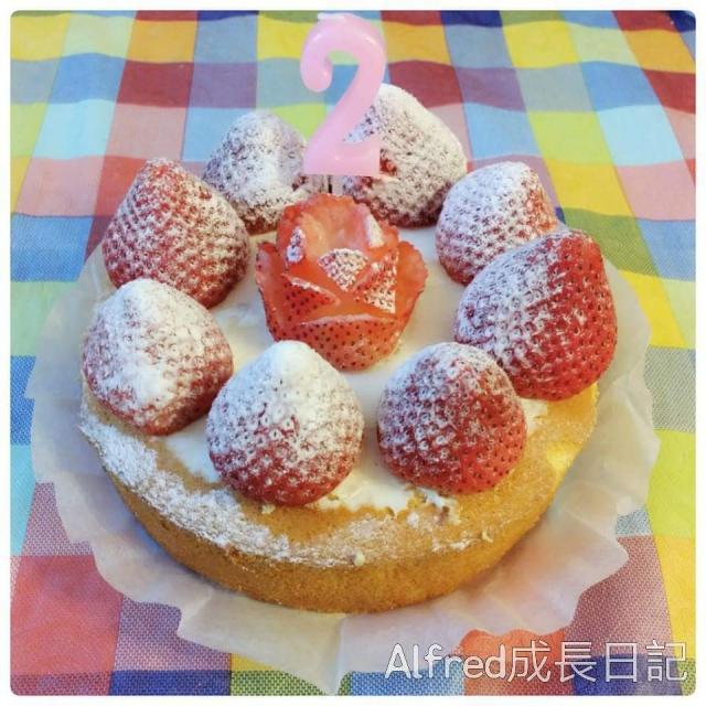「家事達人」Alfred媽食譜分享-草莓海綿蛋糕