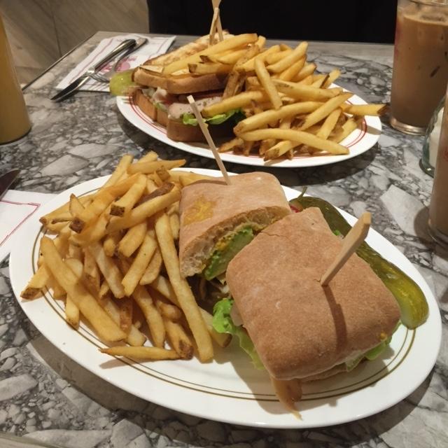 吃喝玩樂 - 中環區的大大份三文治薯條餐