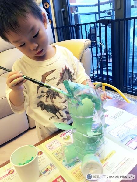 蠟筆小丁   又係一年一度親子環保燈籠製作